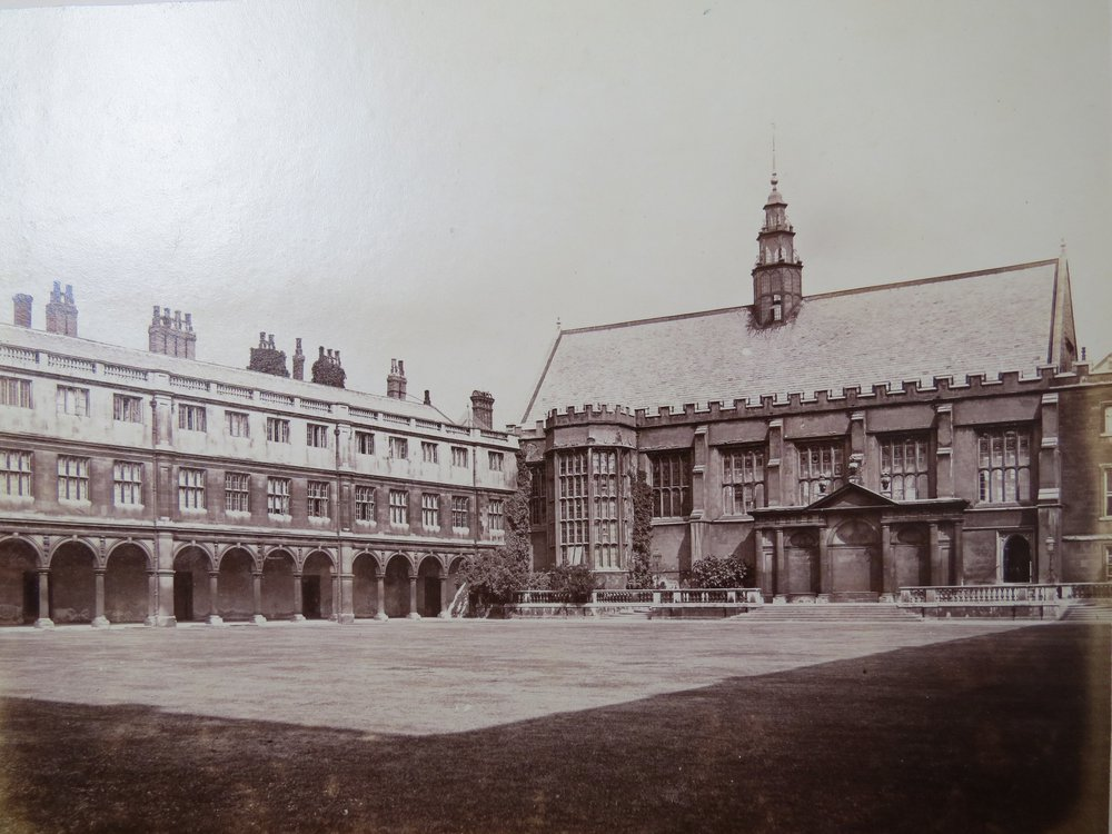 Cambridge_University,_Trinity_College,_Dining_Hall ca.1870 WIKIMEDIA FREE RIGHTS.bmp