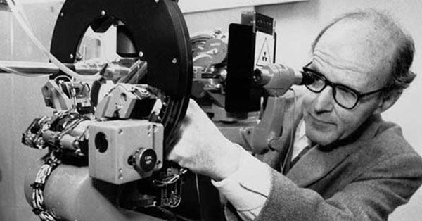 Max Perutz at his diffractometer