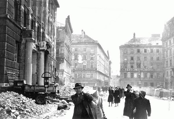 Vienna, 1945, photo from the Vienna Archive via Wien.gv.at